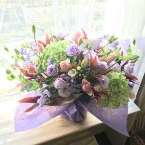 新横浜周辺に開店祝いのお花