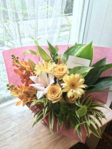 社員さんのお誕生日の花束