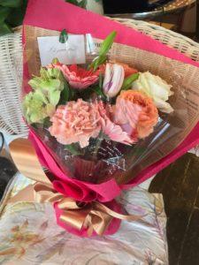社員さんのお誕生日に贈る花束